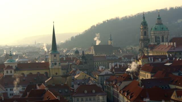stockvideo's en b-roll-footage met skyline van praag met zon - tsjechische cultuur