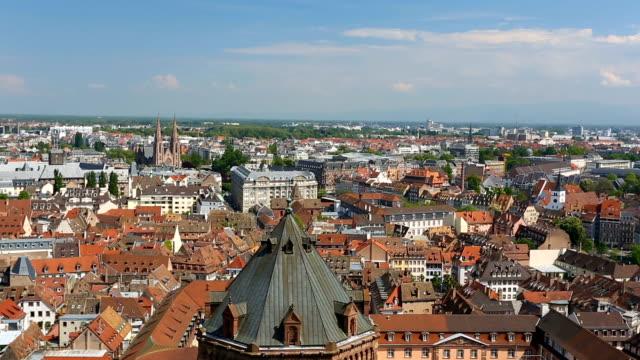 vídeos de stock e filmes b-roll de skyline strasbourg - estrasburgo