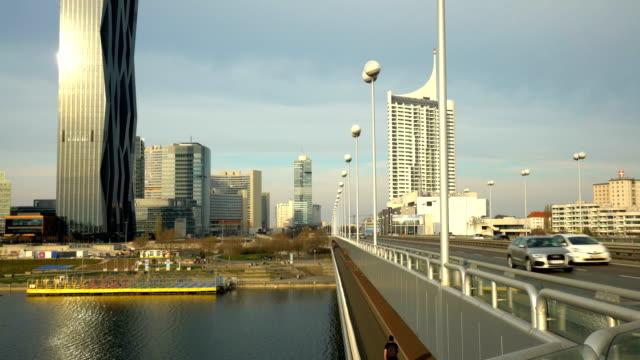Skyline van Wenen met brug, Realtime