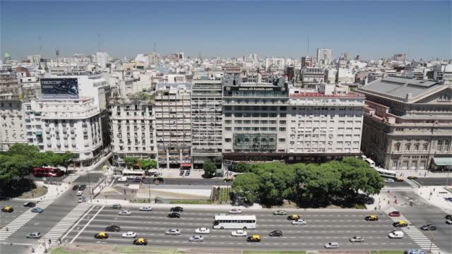 ms, ha skyline view of av 9 de julio / buenos aires, argentina - avenida 9 de julio stock videos & royalty-free footage