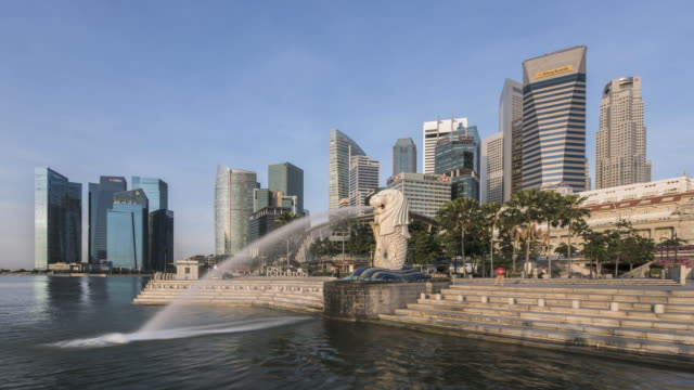 ws t/l skyline with merlion statue / singapore - merlion fictional character stock videos and b-roll footage