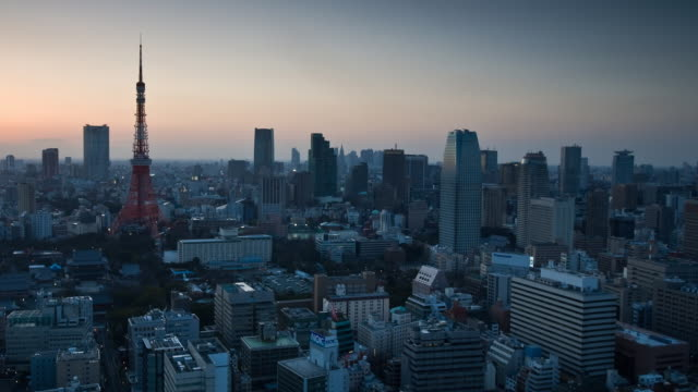 T/L WS HA Skyline with Tokyo Tower, dusk to night transition, Tokyo, Japan