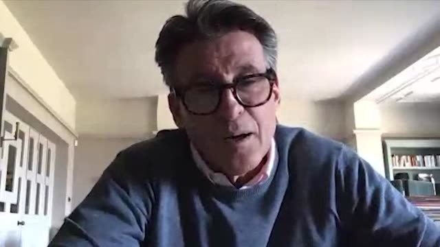 vídeos de stock e filmes b-roll de skype interview with world athletics president lord coe who reflects on the decision to postpone the olympics to 2021 due to the coronavirus pandemic - skype