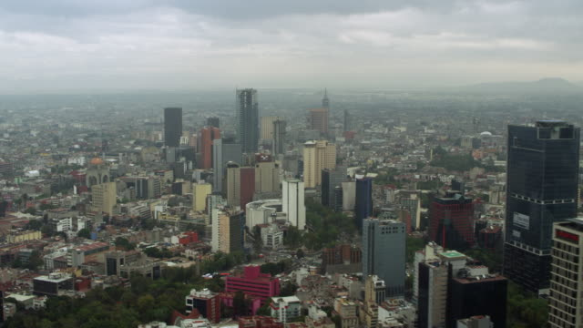 stockvideo's en b-roll-footage met skyscrapers and paseo de la reforma - mexico stad