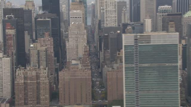 skyscrapers crowd manhattan. - manhattan video stock e b–roll
