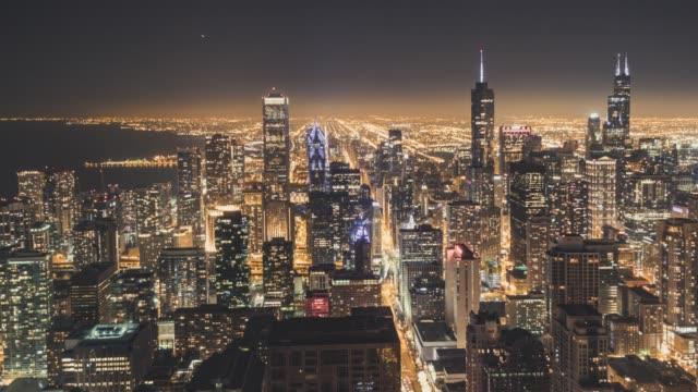 t/l wolkenkratzer in chicago in der nacht - tribune tower stock-videos und b-roll-filmmaterial
