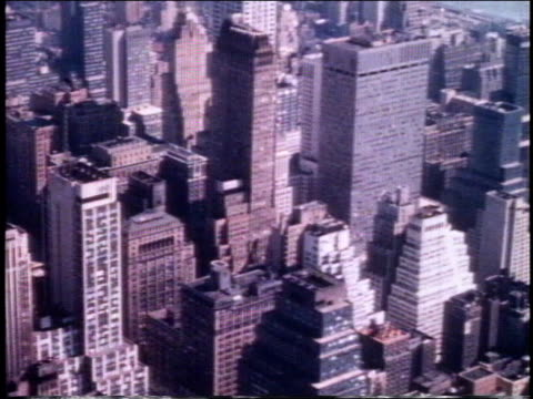 vídeos y material grabado en eventos de stock de 1962 pan skyscrapers in manhattan / new york, new york, united states - 1962