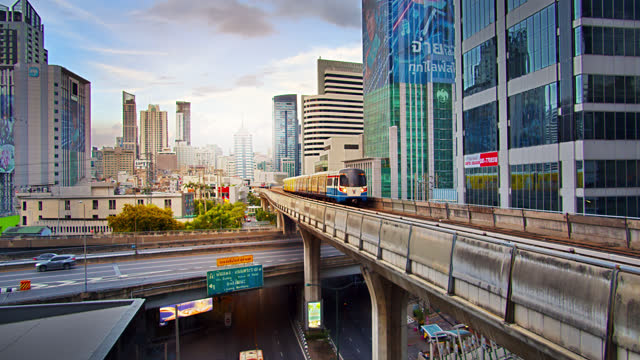 bts skytrain and financial district. - elevated train stock videos & royalty-free footage