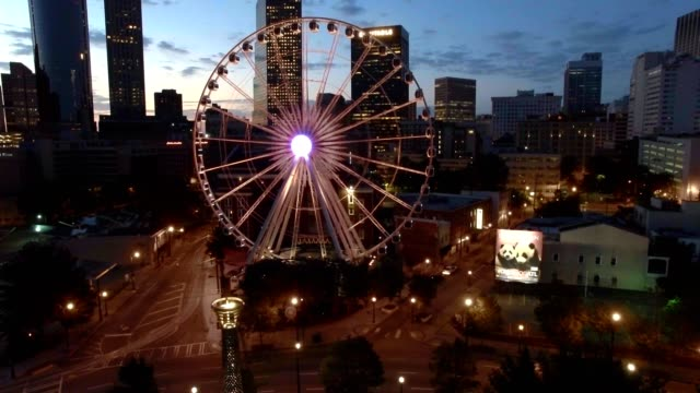 skyview atlanta - ferris wheel stock videos & royalty-free footage