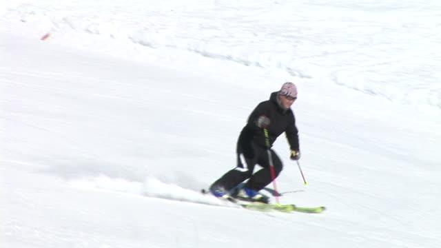 hd: slalom skiing - slalom skiing stock videos & royalty-free footage