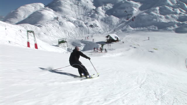hd: slalom skiing - downhill skiing stock videos & royalty-free footage