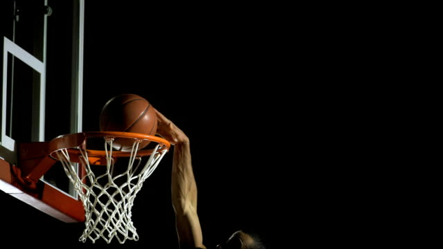 slam dunk (super zeitlupe) - basketball stock-videos und b-roll-filmmaterial