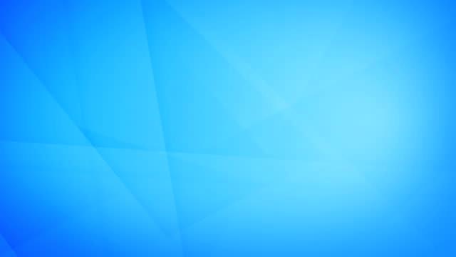 vídeos de stock, filmes e b-roll de formas geométricas azuis abstratas inclinadas, angulares e afiadas curvas, retângulos, triângulos, quadrados que gerar malhas se e que flutuam em torno do vídeo de fundo sem emenda capaz do laço 4k - articulação facetária