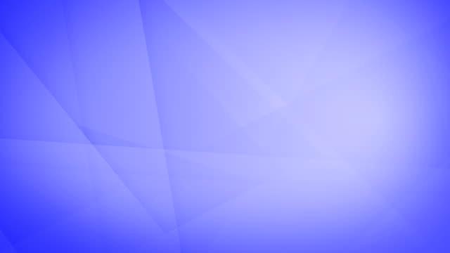 vidéos et rushes de oblique, angulaire et acérée abstrait violet formes géométriques, rectangles, triangles, carrés se maillir les uns les autres et flottant autour de la boucle capable sans soudure 4k fond vidéo - triangle forme bidimensionnelle