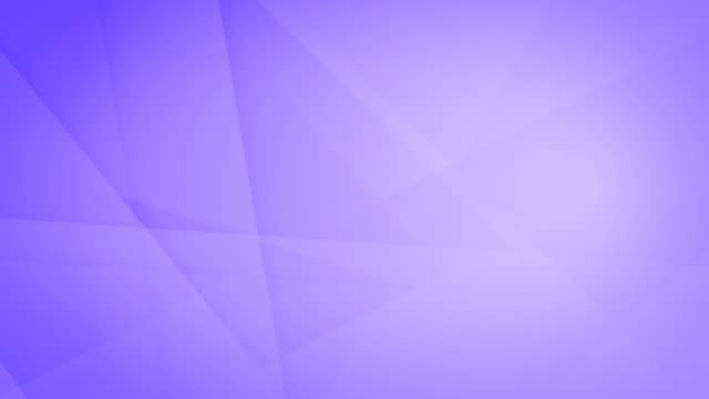 vídeos de stock, filmes e b-roll de formas geométricas roxas abstratas inclinadas, angulares e afiadas curvas, retângulos, triângulos, quadrados que gerar malhas se e que flutuam em torno do vídeo de fundo sem emenda capaz do laço 4k - articulação facetária