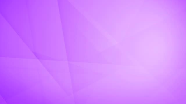 vídeos de stock, filmes e b-roll de oblíqua, angular e afiada curvas abstratas roxas insaturadas formas geométricas, retângulos, triângulos, quadrados de malha uns aos outros e flutuando em torno de loop capaz de vídeo de fundo 4k sem costura - articulação facetária