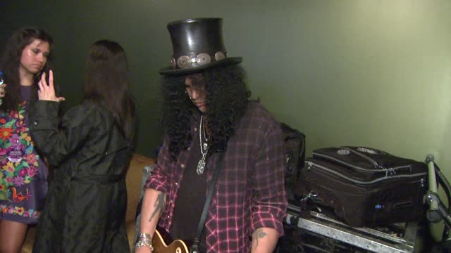 Slash at the 5th Annual Black Eyed Peas Peapod Foundation Benefit Concert at Los Angeles CA