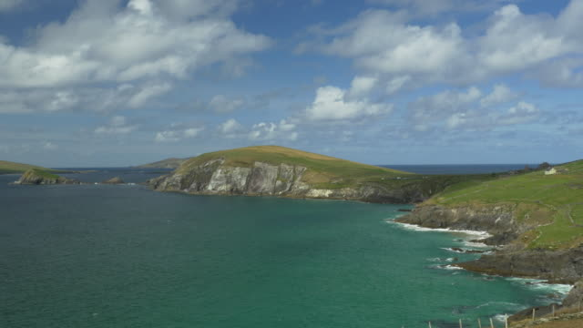 WS PAN R Slea Head Drive, Dingle Peninsula, rugged coastline, Irish countryside, Atlantic Ocean, clouds