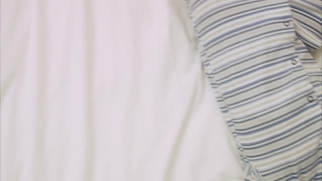 vídeos de stock, filmes e b-roll de a sleeping child sweden. - só bebês meninos
