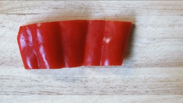 slice bell pepper - red bell pepper stock videos & royalty-free footage