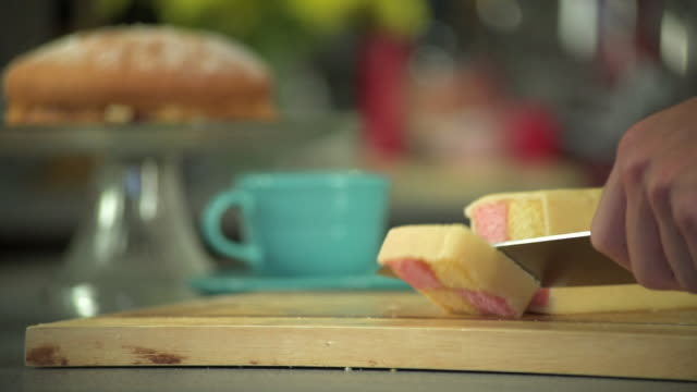 Slicing a Battenberg Cake In Slow Motion