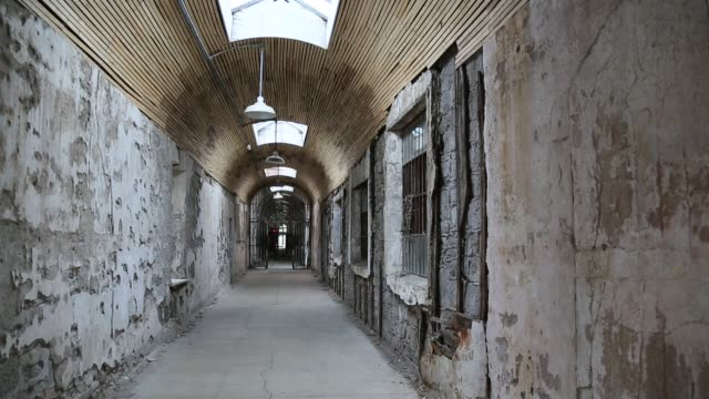 slider shot eastern state penitentiary, philadelphia - eastern state penitentiary stock videos & royalty-free footage