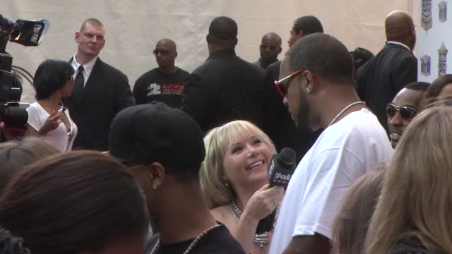 slim thug at the 2010 vh1 hip hop honors arrivals at new york ny - vh1 stock-videos und b-roll-filmmaterial