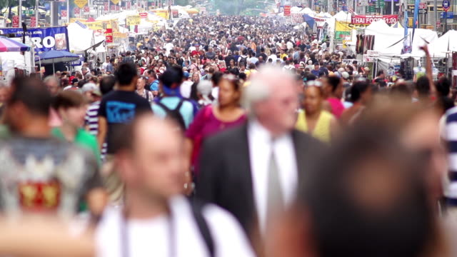 slomo crowded street market, ny - around the fair n.y stock videos & royalty-free footage