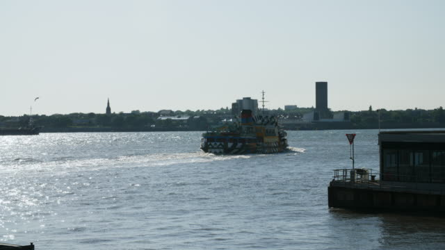 slomo mersey ferry on river mersey, liverpool - mersey ferry stock videos & royalty-free footage