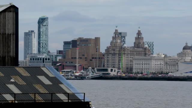 slomo views of central liverpool, uk - railings stock videos & royalty-free footage
