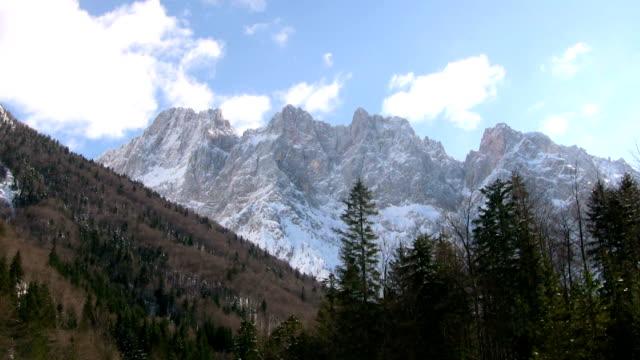 stockvideo's en b-roll-footage met hd: slovenian alps - julian alps