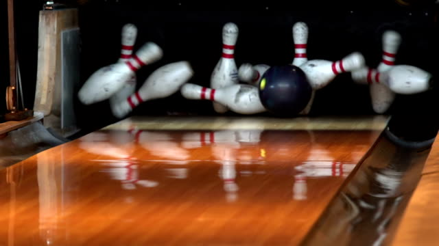 Slow motion - Bowling strike