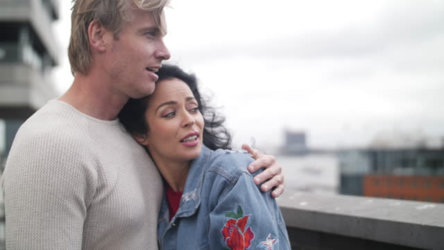 slow motion - dutch couple romance - coppia di adulti di mezza età video stock e b–roll