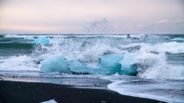 Zeitlupe Eisberge auf Jokulsarlon Beach-Island