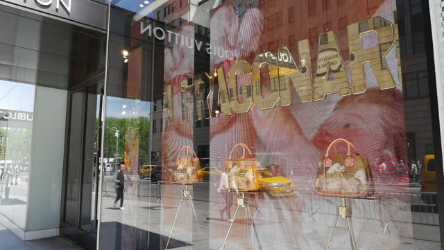 Slow motion of Louis vuitton store on fifth avenue in New York City