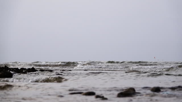 slow motion of  waves on a sea. - bugtiger stock videos and b-roll footage