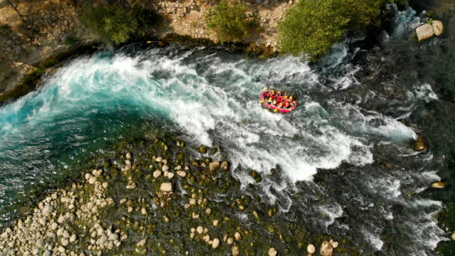 slow motion rafting in a river - rafting stock videos and b-roll footage