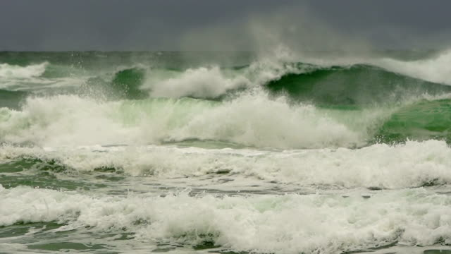 Slow Motion Waves