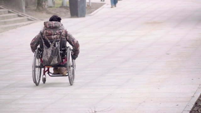 Slow motion: Wheelchair