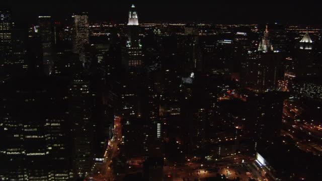 slow night flight along manhattan's east side. shot in 2005. - artbeats stock videos & royalty-free footage