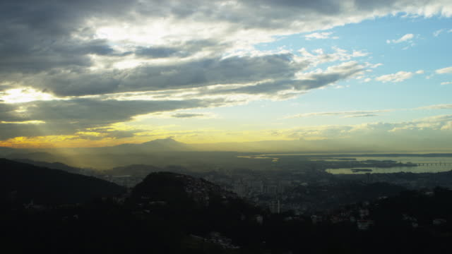 Slow pan over a Rio de Janeiro sunset