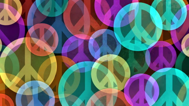 vídeos de stock e filmes b-roll de slow scrolling background made from peace symbols - hippie