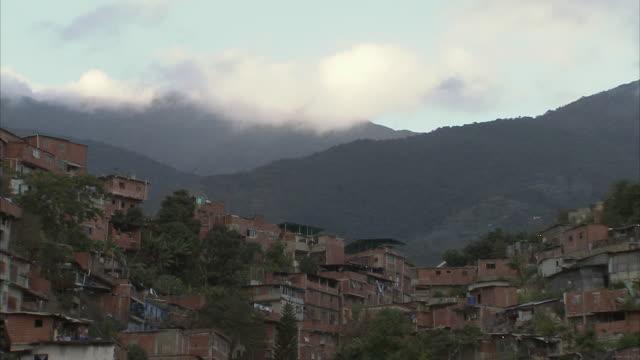 WS Slums buildings on mountainside in Petare / Caracas, Miranda, Venezuela