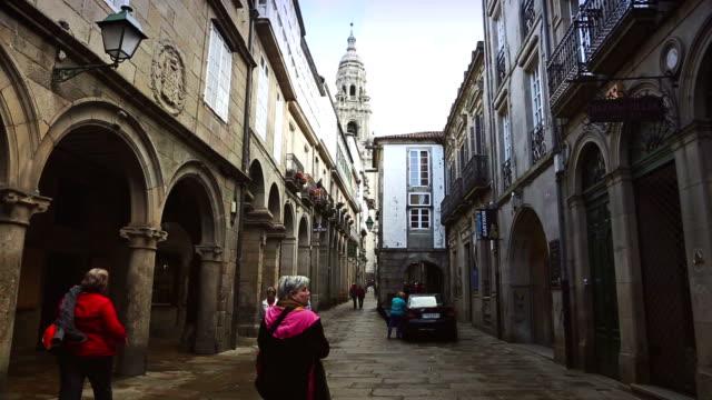 vídeos y material grabado en eventos de stock de small alleys  of santiago de compostela, spain - galicia