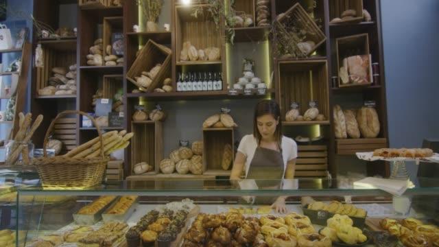 kleine business  - bäckerei stock-videos und b-roll-filmmaterial