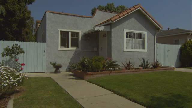 ms, ds, small house, los angeles, california, usa - picket fence stock videos and b-roll footage