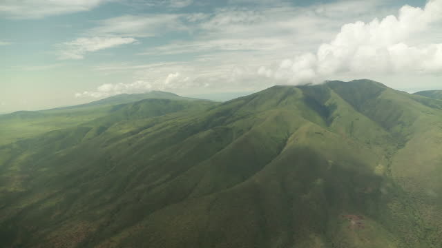 small plane side view of mountains - tanzania stock videos & royalty-free footage
