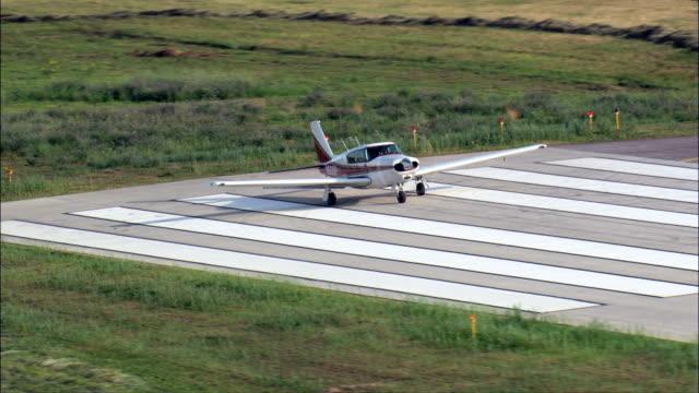 avion petit prop prêt à décoller - vue aérienne - Dakota du Sud, comté de Meade, États-Unis