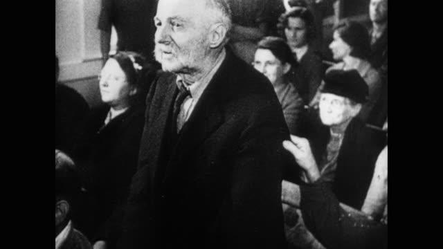 vídeos de stock e filmes b-roll de 1945 small town american democracy - democracia
