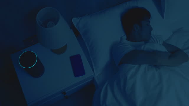 vídeos de stock e filmes b-roll de iot ai smart home concept - electric lamp